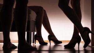 Ünlü oyuncunun otel odasındaki üçlü ilişki fantezisi, başına bela oldu!