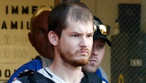 Karısı kendisini 19 yaşındaki gençle aldattı diye 5 çocuğunu katletti!