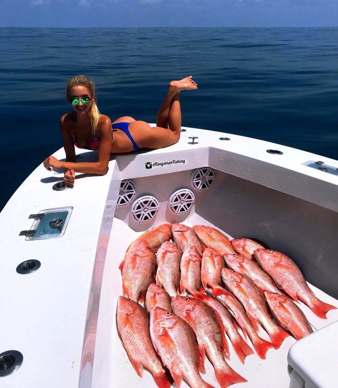 Dünyanın en ateşli balıkçısı! Avladığı balıklar kendisinden bile ağır