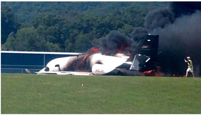 Ünlü yarışçı ve ailesinin bulunduğu uçak, iniş sonrası cayır cayır yandı!
