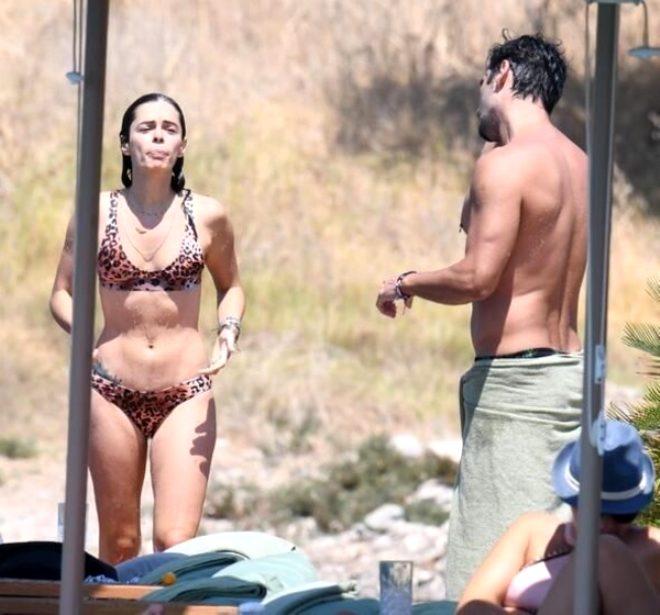 Kadın dizisinin yıldızı Özge Özpirinçci, kendisini bikinili görüntüleyen magazincilere ters köşe yaptı!