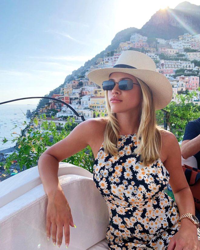 Dünyaca ünlü model, tatil paylaşımlarıyla Instagram'ı sallıyor!