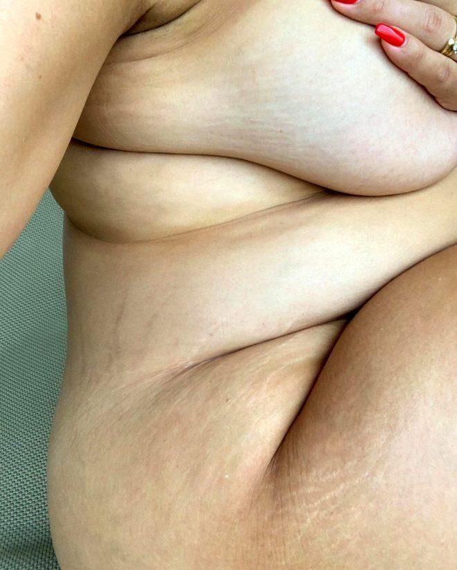 Cinsellik itirafıyla çok konuşulan büyük beden model, çıplak fotoğrafını paylaştı!