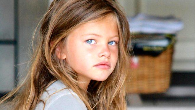 Dünyanın en güzel kızı seçilmişti, sevgilisiyle dudak dudağa görüntülendi!