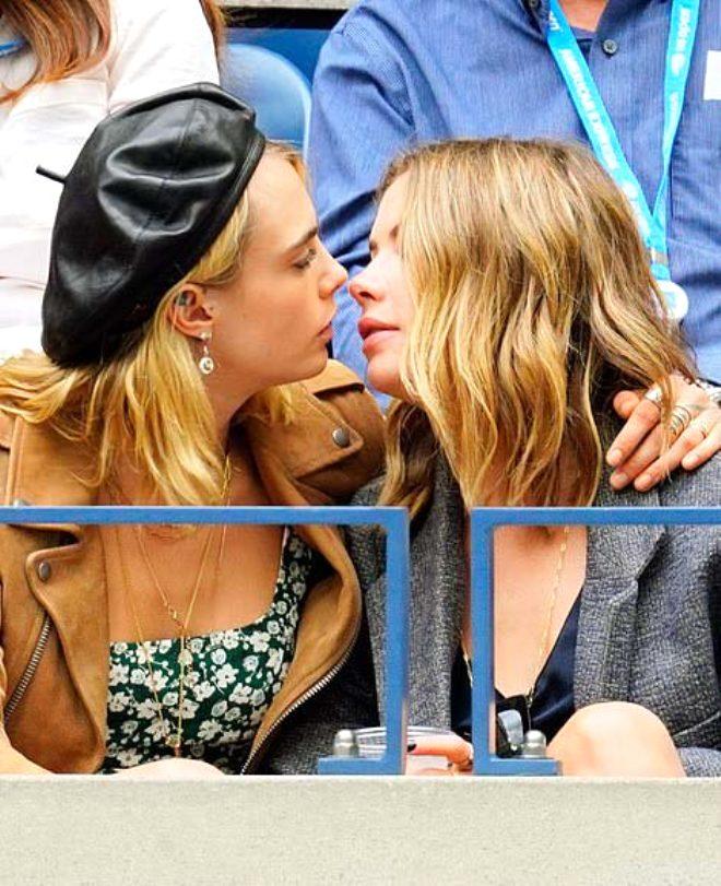 Ünlü model Cara Delevigne ve sevgilisi Ashley Benson, öpüşmeye doyamadı!