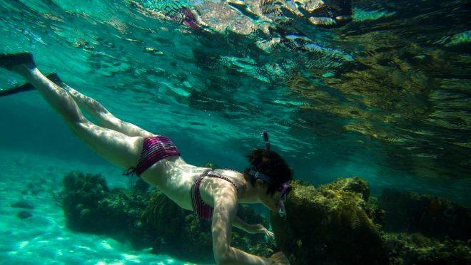 Yalnızca yetişkinlerin girebildiği bu adada çıplak gezmek serbest!