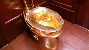 İngiliz Kraliyet Ailesi'nin altın klozeti çalındı! Değeri dudak uçuklatıyor