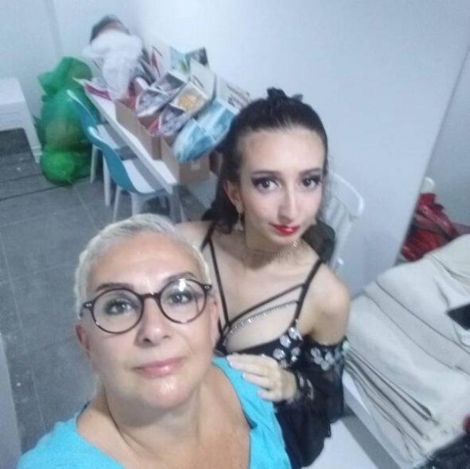 Ünlü tiyatrocu Süheyl Uygur'un kızı, annesinin izinden giderek dansöz oldu!