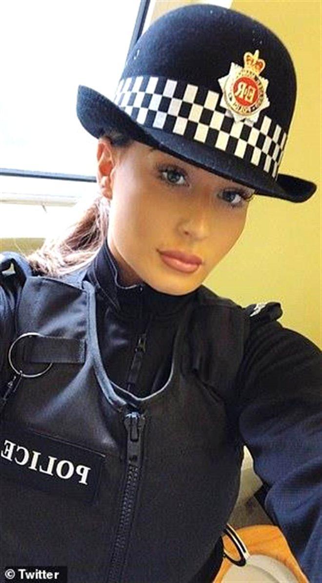 Nehre atılan 11 aylık bebeği kurtarmaya çalışan kadın polis memuru, cinsel tacize daha fazla dayanamadı!