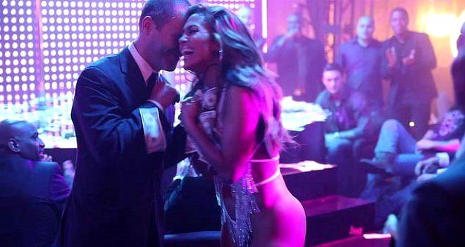 Jennifer Lopez'in direk dansçısını canlandırdığı film, aşırı müstehcen sahneler barındırdığı için Malezya'da yasaklandı