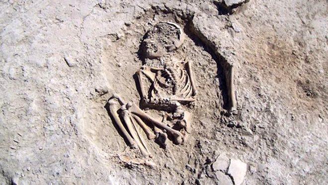 Malatya'da bulunan Arslantepe Höyüğü'nde, 5 bin 700 yıllık çocuk iskeleti bulundu!