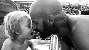 20 aile reddetti, o evlat edindi! Koca yüreğiyle herkese örnek oluyor