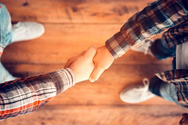 3 saniyeden fazla tokalaşıyorsanız dikkat! İlişkinizi riske atıyorsunuz