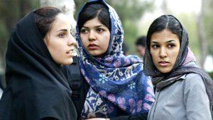 Yasaklar ülkesinde sansür skandalı! Kadın fotoğraflarını yok ettiler