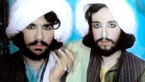 Taliban üyelerinin makyajlı, çiçekli ve el ele fotoğrafları ortaya çıktı