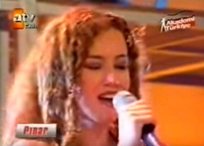 Arka Sokaklar'ın Pınar'ı bakın şimdi ne iş yapıyor!