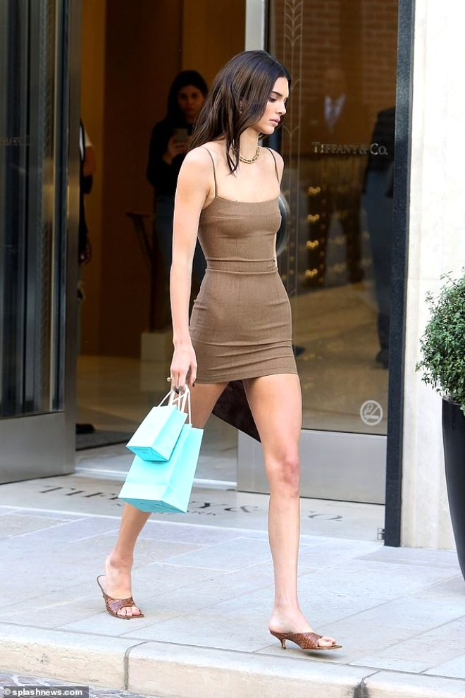 Ateşli model Kendall Jenner'a Türk dokunuşu! Güzelliğiyle büyüledi