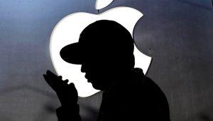 Apple çalışanından pes dedirten hareket! Kadın müşterinin çıplak fotoğrafını gizlice kendine yolladı