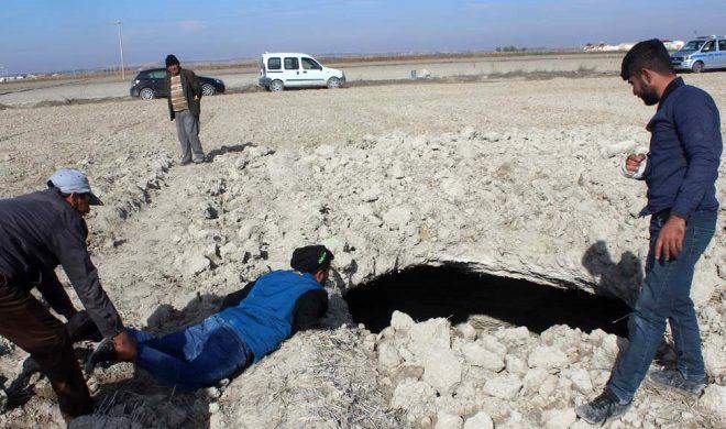 Vatandaşı tedirgin eden görüntü! Konya'da 8 metre derinliğinde dev obruk oluştu