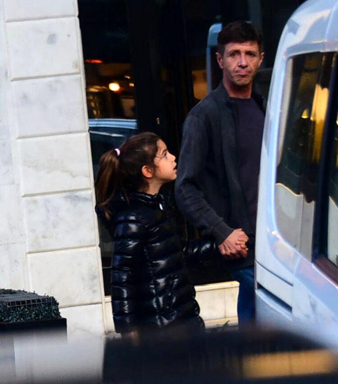 Ünlü şarkıcı Ebru Gündeş'in kızı Alara büyüdü! Son haline bakın