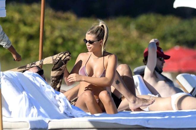 Dünyaca ünlü model Sofia Richie, cinsel ilişki bağımlısı sevgilisiyle tatil yaptı!