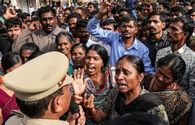 Hindistan'da vicdanları sızlatan olay! Genç veterinere tecavüz edip diri diri yaktılar