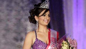 Güzellik kraliçesi Zanib Naveed, geçirdiği trafik kazası sonucu yaşamını yitirdi!