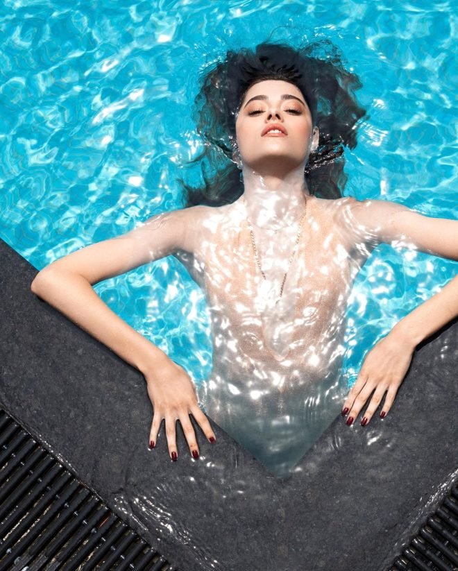 Zalim İstanbul'un Damla'sı Simay Barlas, havuz pozuyla büyük beğeni topladı!