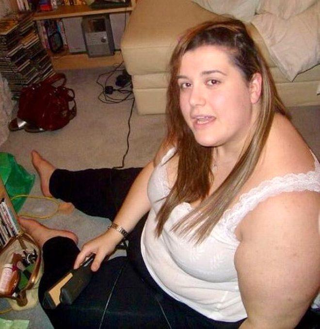 Fazla kiloları başına dert olmuştu, 18 ayda 95 kilo verdi! Genç kadını annesi bile tanıyamıyor