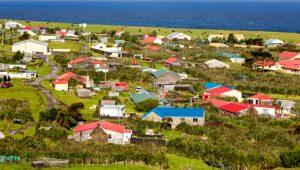 Dünyanın en uzak adası! Sadece 275 kişi yaşıyor, para asla kullanılmıyor