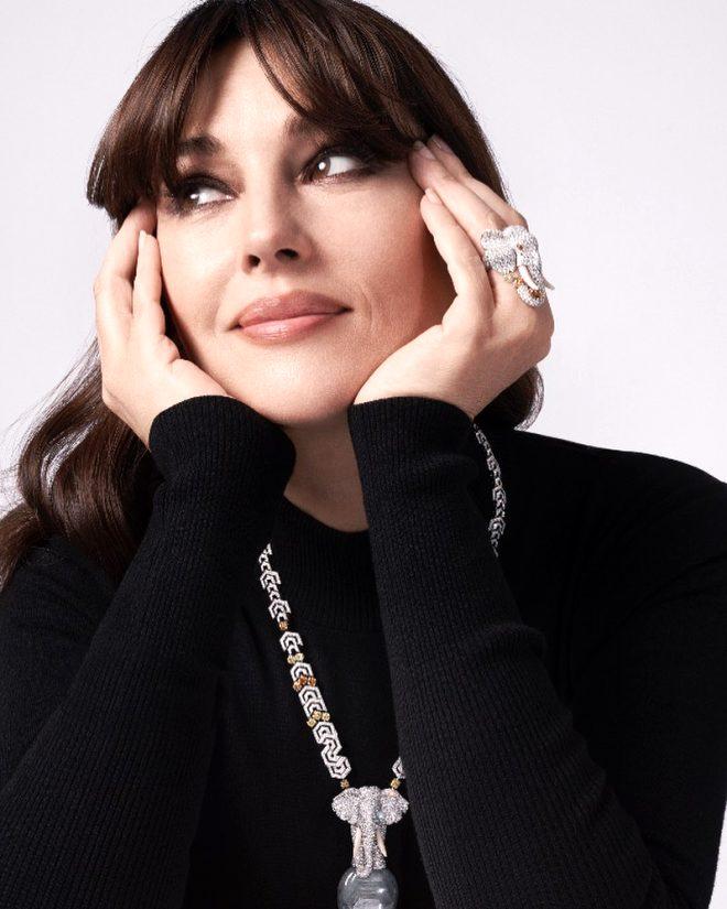 Güzel oyuncu Monica Bellucci, Fransız dergisine çıplak poz verdi!