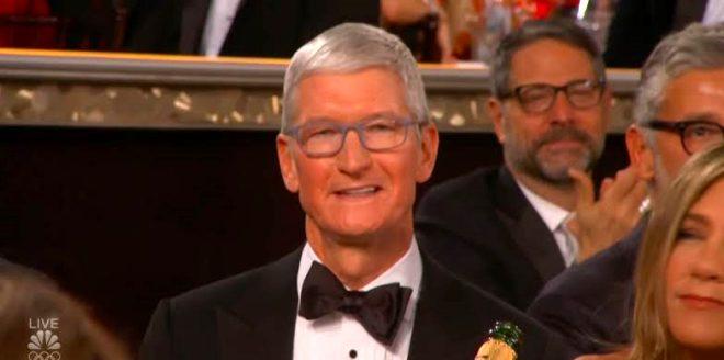Apple CEO'su Tim Cook da gecedeydi!