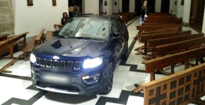 'Şeytan'dan kaçtım' diyen sürücü arabasıyla kiliseye daldı