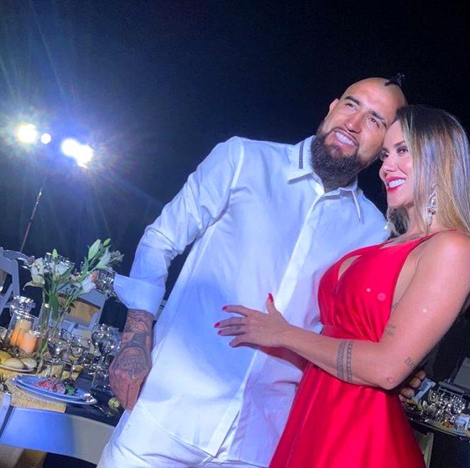 Yıldız oyuncu Arturo Vidal, uğruna eşinden boşandığı sevgilisini terk etti!