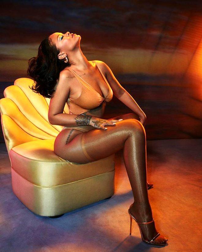 Magazin dünyasına bomba gibi düşen iddia: Rihanna, milyarder Arap iş adamından ayrıldı!