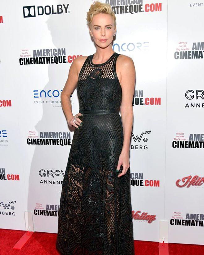 Charlize Theron'u hem güldüren hem ağlatan anı: Burnumla seviş