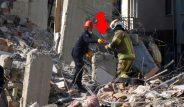Elazığ'daki deprem enkazında dikkat çeken kare! Kurtarma ekibinin bulduğu Kur'an-ı Kerim böyle çıkartıldı
