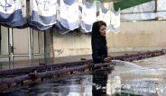 İran'ın öfkesi kazanca dönüştü! Yakmalık bayrak fabrikası dünyanın gündemine oturdu