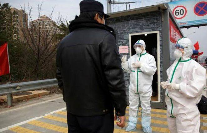 Çin'de can pazarı! Kanser hastası kızının sınırdan geçmesine izin verilmeyen anne gözyaşlarına boğuldu