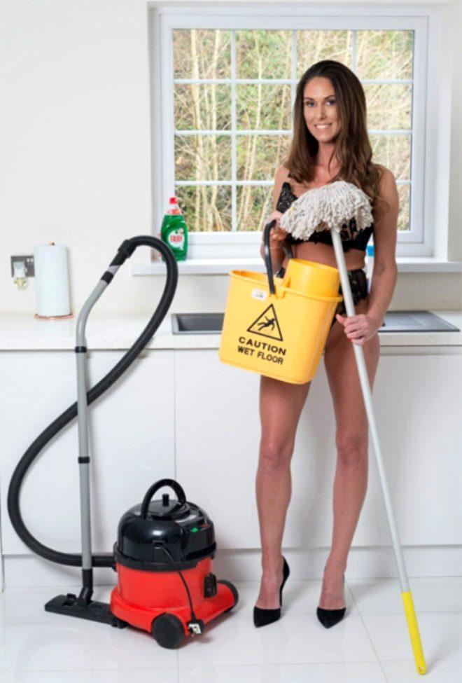 Evlere çıplak temizliğe gidiyor, saatte 750 TL kazanıyor!