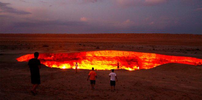 Türkmenistan'daki korkunç çukur 50 yıldır cayır cayır yanıyor, gören şaşıp kalıyor!