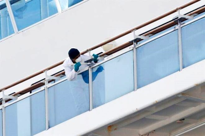 Koronavirüs karantinasındaki gemi mürettebatından dehşete düşüren sözler: Yalvarıyoruz bizi eve gönderin