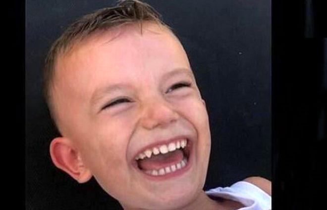 3 çocuğunun bulunduğu aracı ateşe veren eski yıldız sporcu kendisini bıçaklayarak intihar etti