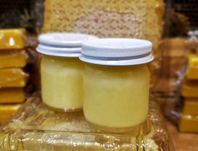 İmparator ve kralların ölümsüzlük iksiri arı sütünün faydaları ve bilinmeyenleri