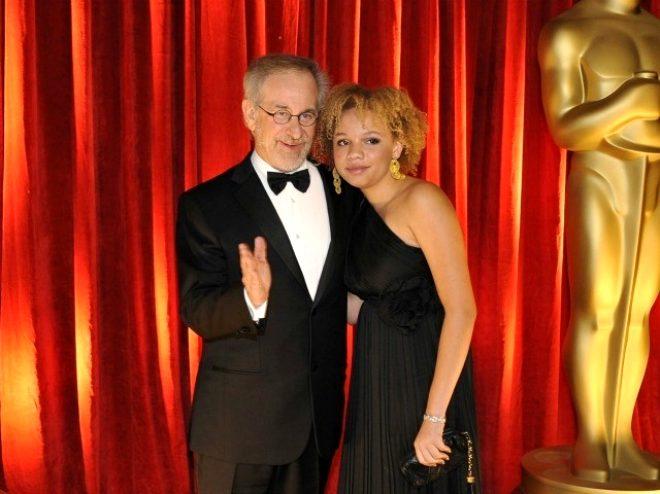 Ünlü yönetmenin 23 yaşındaki kızı yetişkin film yıldızı oldu!
