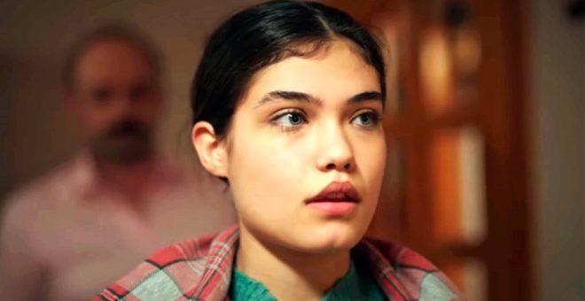 Zemheri'nin masum güzeli Elvan'a bir de Instagram'da bakın! İddialı pozlarıyla büyülüyor