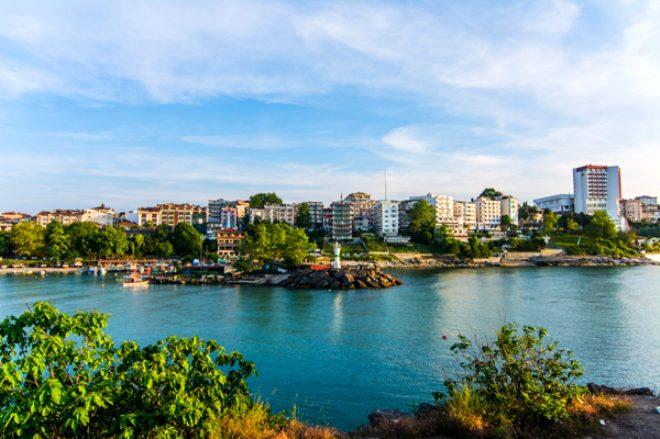 Türkiye'nin en mutlu şehirleri belli oldu! Zirvedeki kentin 2020'ye kadar trafik lambası bile yoktu