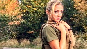 Askeri okulu birincilikle bitiren Barbie lakaplı Amerikalı güzel başarısıyla takdir topladı