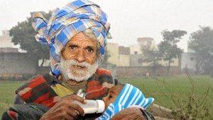 Dünyanın en yaşlı babası evinde çıkan yangında can verdi
