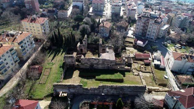 Sinop'ta heyecanlandıran keşif! Hz. İsa'nın çarmıha gerildiği haçı koruyan taş sandık bulundu